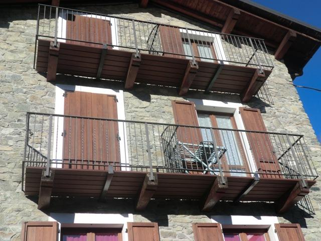 Terrazze e balconi deck composito prodotti in for Arredo per balconi